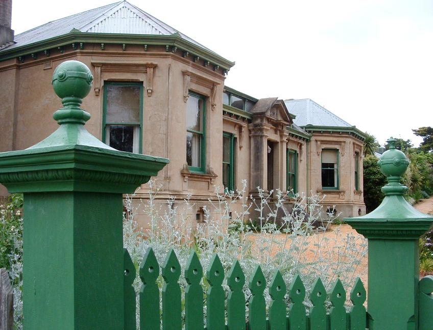 Building - Buda Historic Home and Garden Castlemaine